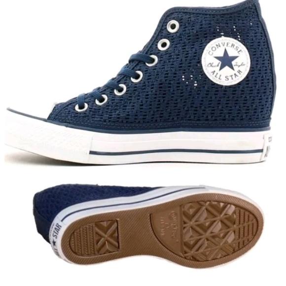c9f8ffdd4821 Brand New Blue Converse Chuck Taylor All Star Lux